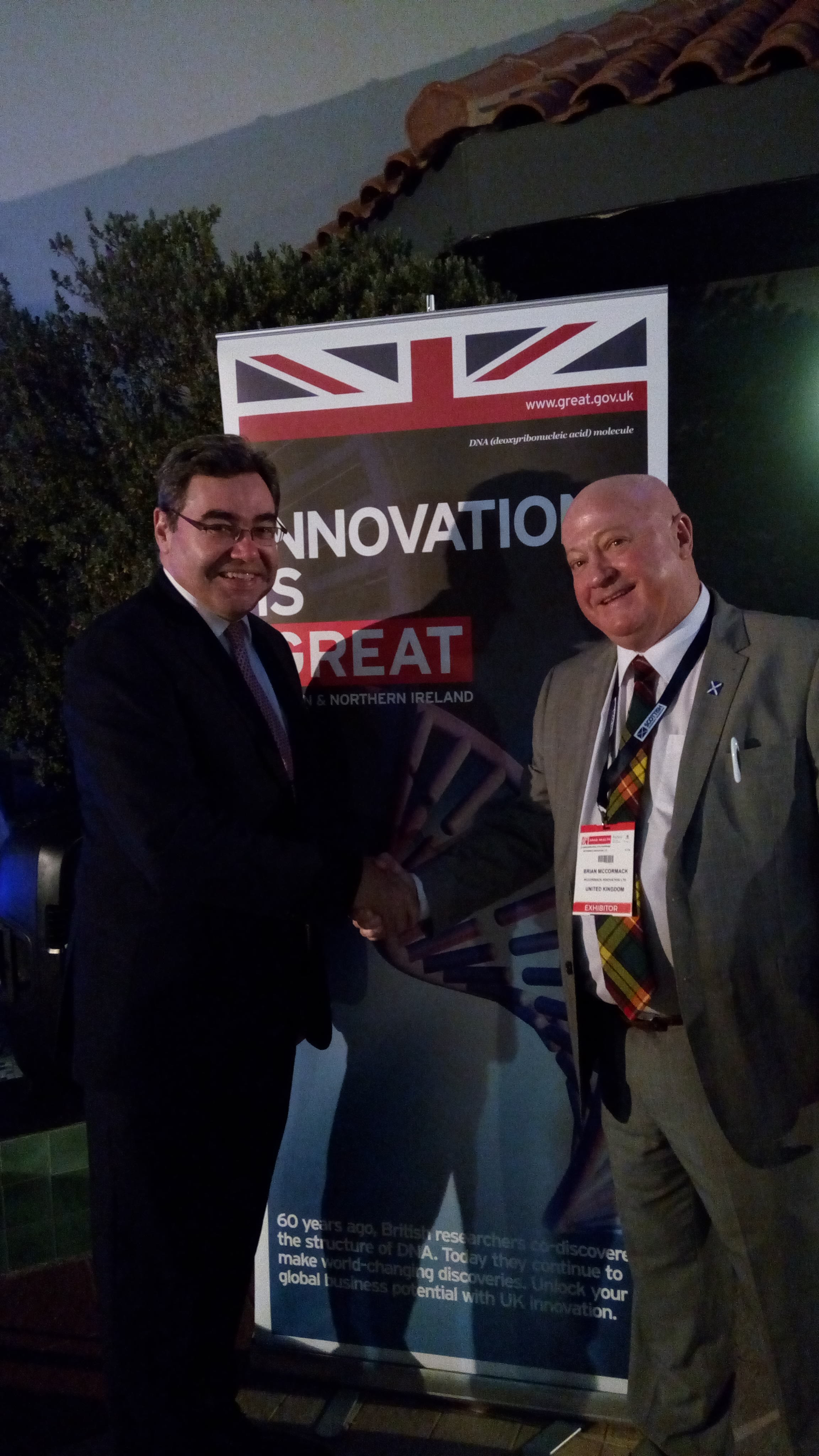 Brian meets Paul Fox, Her Majesty's Consul General to Dubai & Northern Emirates